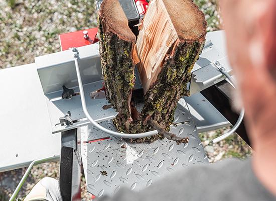 Brændekløvere | AL-KO brændekløver med 2-hånds betjening og træholdere